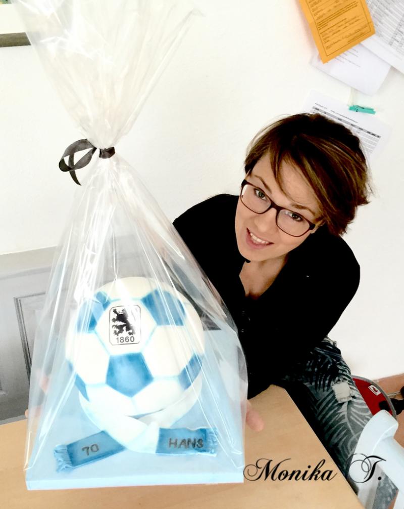 Monika Triebenbacher - Fußballtorte