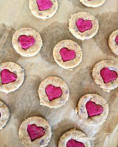 Kekse mit Himbeerpulver