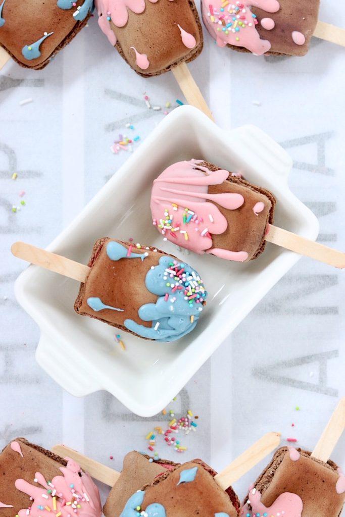 Macarons Eis am Stiel